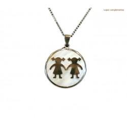 Medalla nacar con niña y niña