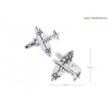 Gemelos con avión spitfire