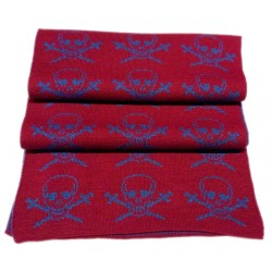 Foulard con piratas color burdeos