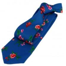 Corbata con flores estampadas